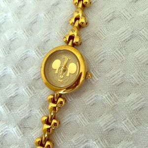 Used but in good condition Mickey watch